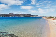 Playa de Kako Rema de Antiparos, Grecia imagen de archivo libre de regalías
