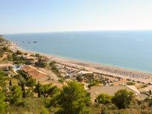 Playa de Kathisma en Lefkada Grecia Visión desde la tapa Fotos de archivo