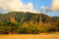 Playa de Keawaula en orilla del oeste seca del ` s de Oahu fotografía de archivo
