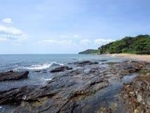 Playa de Klong Tob, ubicación en la isla de Lanta Imágenes de archivo libres de regalías
