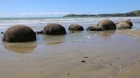 Playa de Koekohe almacen de metraje de vídeo