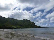 Playa de Kualoa en la isla Hawaii de Oahu foto de archivo