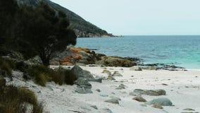 Playa de la bahía de la copa almacen de metraje de vídeo