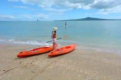 Playa de la bahía de la misión en Auckland Nueva Zelanda Fotografía de archivo