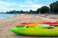 Playa de la bahía de la misión en Auckland Nueva Zelanda Foto de archivo libre de regalías