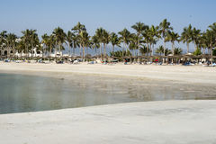 Playa de la bahía de Omán Souly del sultanato y costa de los hoteles Foto de archivo