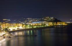 Playa De La Caletilla di notte, l'Andalusia Immagini Stock