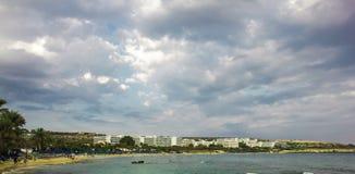 Playa de la ciudad de Agia Napa Imagen de archivo libre de regalías