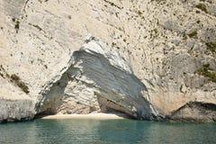 Playa de la cueva Fotos de archivo libres de regalías