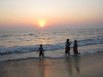 Playa de la India en la puesta del sol Foto de archivo libre de regalías