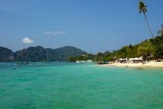 Playa de la isla de la phi de la phi, Tailandia Foto de archivo