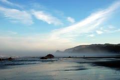 Playa de la mañana imágenes de archivo libres de regalías