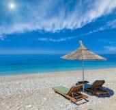 Playa de la mañana del verano Foto de archivo libre de regalías