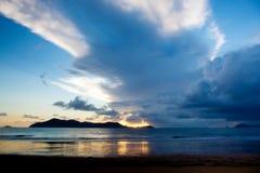 Playa de la misión e isla Queensland del norte Australia de la clavada Imagen de archivo libre de regalías