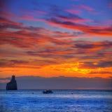 Playa de la puesta del sol de Ibiza Cala Benirras en San Juan en balear Fotos de archivo libres de regalías