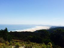 Playa de la relajación de Suráfrica de la vista al mar imagenes de archivo