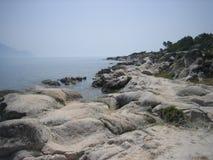 Playa de la roca de Sithonia Fotografía de archivo