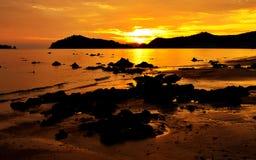 Playa de la silueta Fotografía de archivo