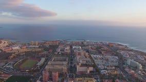 Playa de las美洲鸟瞰图在日落的在特内里费岛,加那利群岛 股票视频