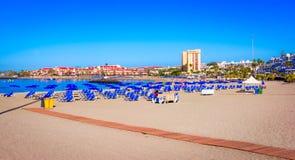 Playa de Las Перспектива, Тенерифе, Испания: Красивый пляж в Лос Cristianos стоковое изображение