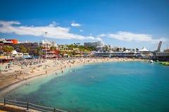 送海滩在特内里费岛,西班牙的Playa de las美洲。 免版税图库摄影
