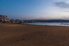 Playa de Las Canteras - Strand in Las Palmas de Gran Canaria lizenzfreie stockbilder