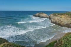 Playa de las catedrales en Galicia, en Océano Atlántico imagen de archivo libre de regalías