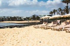 Playa de Las Cucharas en Costa Teguise, Lanzarote Imagen de archivo libre de regalías
