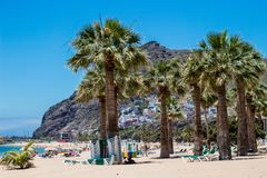 Playa de Las Teresitas cerca de Santa Cruz de Tenerife foto de archivo libre de regalías