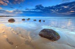 Playa de los cantos rodados de Moeraki Fotos de archivo libres de regalías