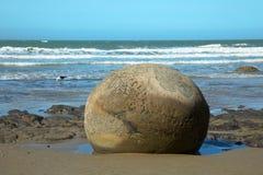 Playa de los cantos rodados de Moeraki en Nueva Zelanda Fotografía de archivo libre de regalías