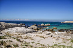 Playa de los cantos rodados - Simon& x27; ciudad de s, Cape Town, Suráfrica Foto de archivo libre de regalías