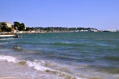 Playa de los contactos de los les de Juan en Francia Fotografía de archivo