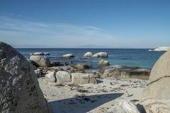 Playa de los pingüinos en Ciudad del Cabo imagen de archivo libre de regalías