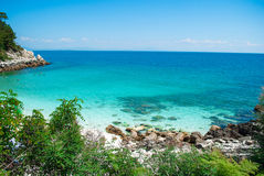 Playa (de mármol) de Saliara en la isla Grecia de Thassos imagenes de archivo