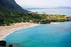 Playa de Makapuu, fuera de la cordillera de Koolau, Oahu, Hawaii imagen de archivo