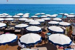 Playa de Niza, Italia de la ciudad Fotos de archivo libres de regalías