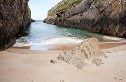 Playa de Nueva de Llanes Imagen de archivo libre de regalías