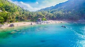 Playa de Nui o la playa ocultada del paraíso en Phuket Foto de archivo