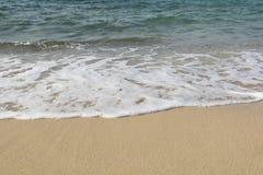 Playa de oro de la arena Foto de archivo libre de regalías
