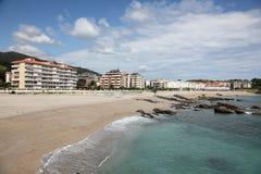 Playa De Ostende plaża w Castro Urdiales Hiszpania Zdjęcie Stock