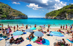 Playa de Paleokastritsa Imagenes de archivo