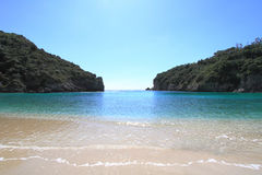 Playa de Paleokastritsa de la isla de Corfú Imagen de archivo libre de regalías