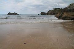 Playa de Palombina, Llanes España Foto de archivo