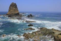 Playa de Papuma de la roca del diente del tiburón Fotos de archivo