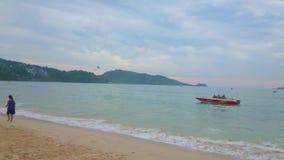 Playa de Patong, Phuket, Tailandia metrajes