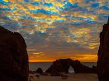 Playa de piedra agujereada Imágenes de archivo libres de regalías