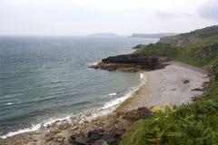 Playa de piedra del guijarro. Foto de archivo libre de regalías