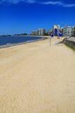 Playa de Pocitos a lo largo del banco de Rio de la Plata en Montevide Foto de archivo libre de regalías