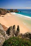 Playa de Porthcurno en Cornualles. Imágenes de archivo libres de regalías